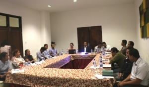 Diretor Nasional DNPIEG, Claudino N. Nabais hala'o enkontru entre Linas Ministerias, iha Hotel Timor-Dili. Fotografer Elsio Jong/Info MAP